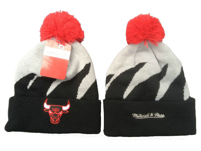 NBA Chicago Bulls Mitchell & Ness Shark Tooth Beanie XDF