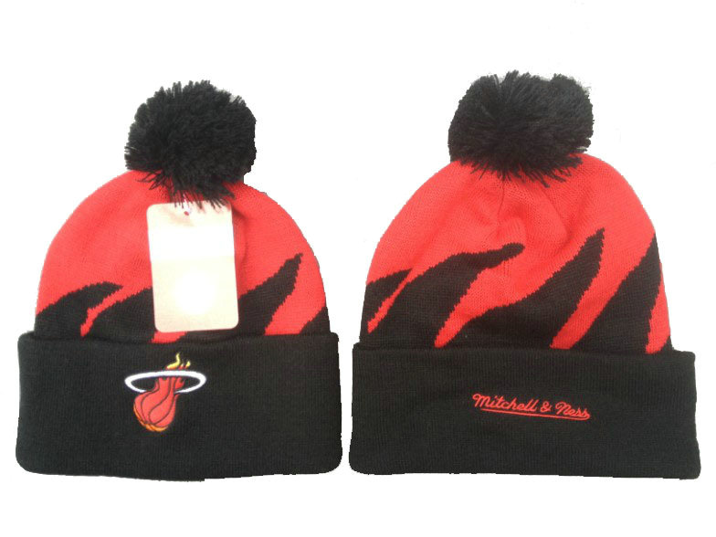 NBA Miami Heat Mitchell & Ness Shark Tooth Beanie XDF