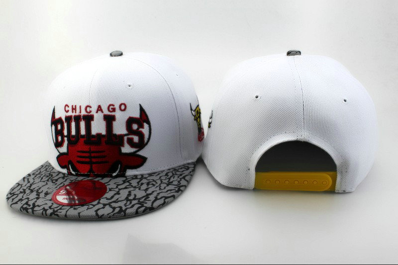 Chicago Bulls White Snapback Hat QH