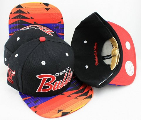 Chicago Bulls Navajo Retro Bill Gold Leather Strap Back Hat JT23