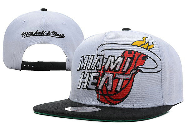 Miami Heat White Snapback Hat XDF
